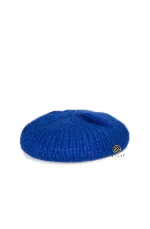 KNITTED BERET/HAT BLUE