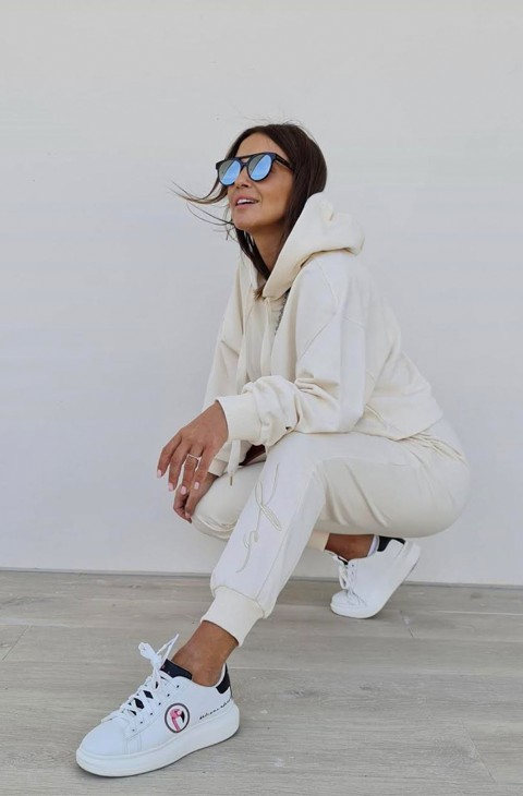 JOGGER LACE UP OFF WHITE SPACE FLAMINGO